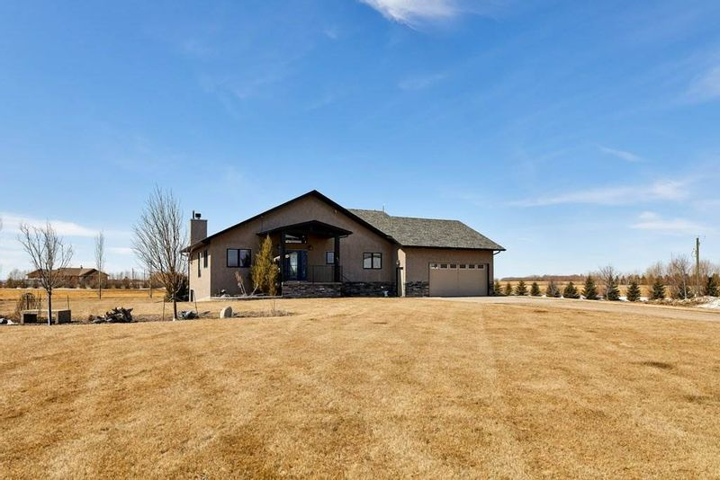 FEATURED LISTING: 54511 RGE RD 260 Rural Sturgeon County