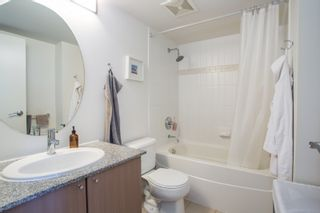 """Photo 8: 1106 550 TAYLOR Street in Vancouver: Downtown VW Condo for sale in """"THE TAYLOR"""" (Vancouver West)  : MLS®# R2335310"""