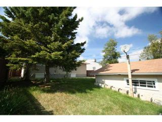 Photo 18: 7830 HUNTERVIEW Drive NW in CALGARY: Huntington Hills Residential Detached Single Family for sale (Calgary)  : MLS®# C3443193