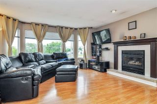 Photo 4: 5764 184 Street in Surrey: Cloverdale BC House for sale (Cloverdale)  : MLS®# R2467153