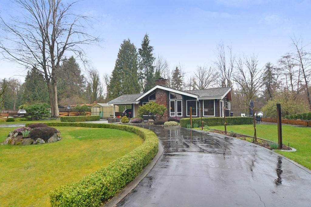 Main Photo: 4674 HITCHINGPOST CRESCENT in : Salmon River House for sale : MLS®# R2252010