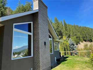 Photo 2: 430 Old Spallumcheen Road, in Sicamous: House for sale : MLS®# 10240089