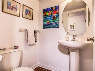 Photo 2: 42 3 Florence Wyle Lane in Toronto: South Riverdale Condo for sale (Toronto E01)  : MLS®# E3125550