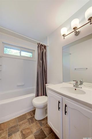 Photo 17: 818 Confederation Drive in Saskatoon: Massey Place Residential for sale : MLS®# SK861239