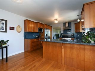 Photo 10: 3389 Mary Anne Cres in Colwood: Co Triangle House for sale : MLS®# 855310