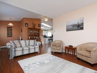 Photo 4: 2 7570 Tetayut Rd in : CS Hawthorne Manufactured Home for sale (Central Saanich)  : MLS®# 870811