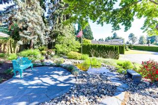 """Photo 2: 1086 PACIFIC Court in Delta: English Bluff House for sale in """"THE VILLAGE"""" (Tsawwassen)  : MLS®# R2553515"""