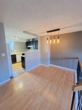 Photo 2: 5971 40 Avenue in Edmonton: Zone 29 Townhouse for sale : MLS®# E4224403