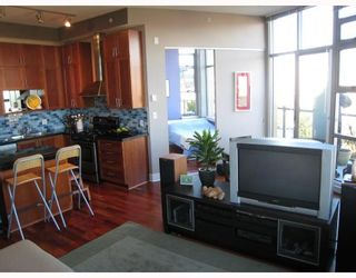 """Photo 4: 607 2635 PRINCE EDWARD Street in Vancouver: Mount Pleasant VE Condo for sale in """"SOMA LOFTS"""" (Vancouver East)  : MLS®# V686340"""