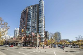 """Photo 1: 3E 199 DRAKE Street in Vancouver: Yaletown Condo for sale in """"CONCORDIA 1"""" (Vancouver West)  : MLS®# R2567054"""