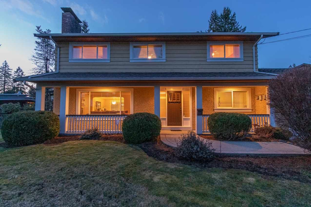 Photo 5: Photos: 2576 BELLOC Street in North Vancouver: Blueridge NV House for sale : MLS®# R2544929