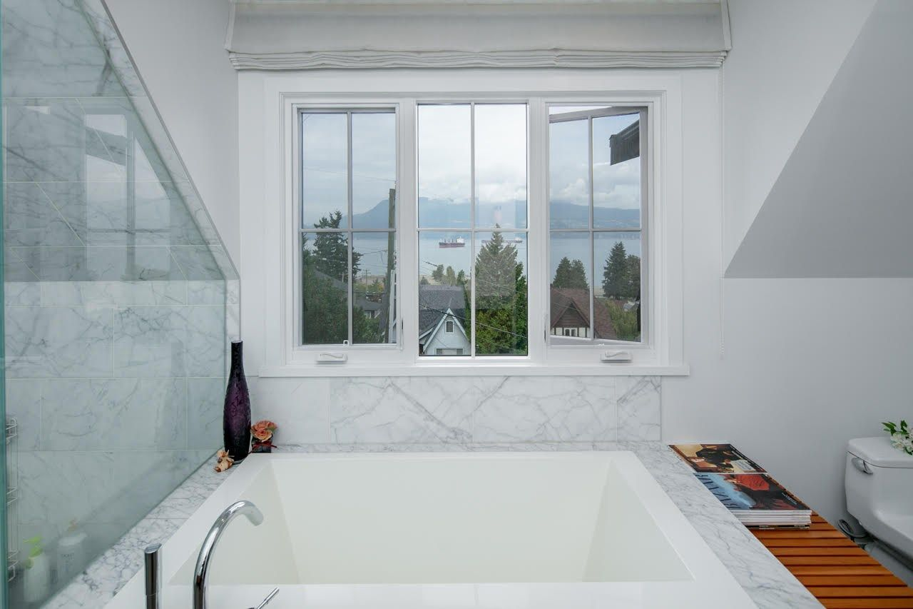 Photo 18: Photos: 4584 LANGARA Avenue in Vancouver: Point Grey House for sale (Vancouver West)  : MLS®# R2526134