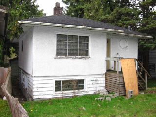 Photo 2: 1050 W 70TH Avenue in Vancouver: Marpole House for sale (Vancouver West)  : MLS®# R2586371
