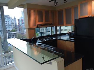 Photo 4: 802 1003 Burnaby St in : Mn Mainland Proper Condo for sale (Mainland)  : MLS®# 827936
