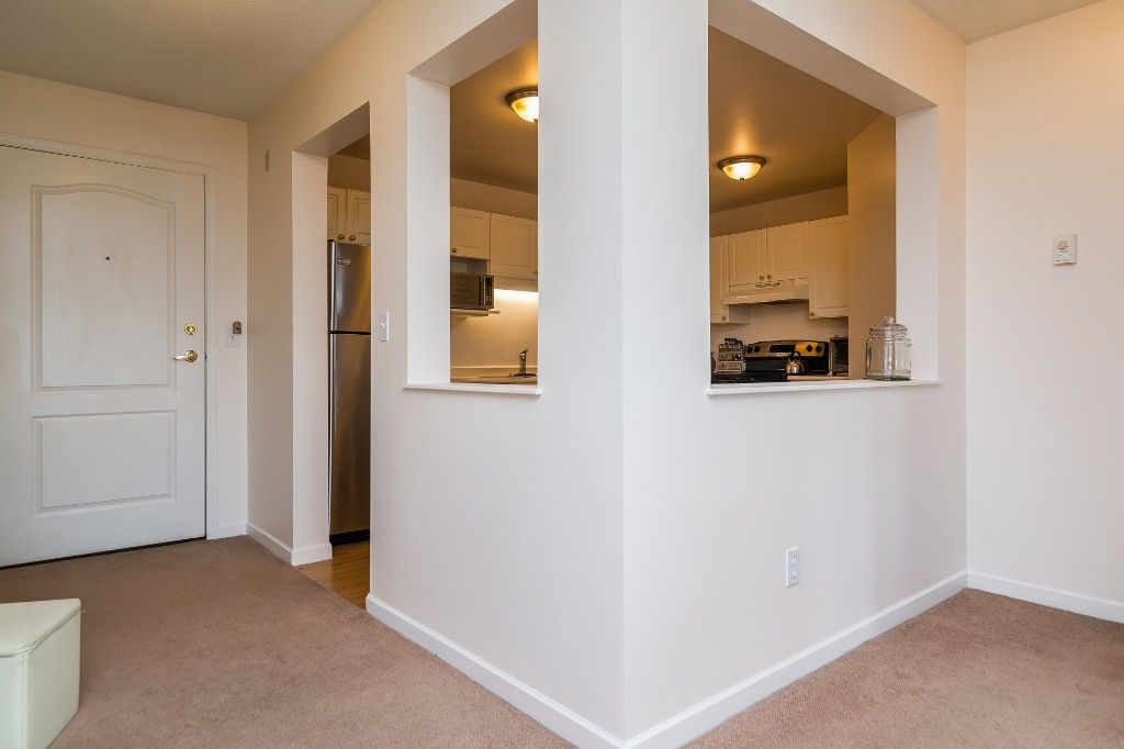 "Photo 17: Photos: 312 20894 57 Avenue in Langley: Langley City Condo for sale in ""BAYBERRY LANE"" : MLS®# R2163654"