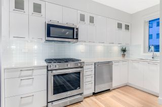"""Photo 6: 1072 NICOLA Street in Vancouver: West End VW Townhouse for sale in """"Nicola Mews"""" (Vancouver West)  : MLS®# R2085171"""