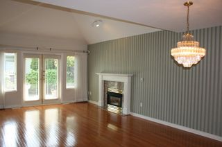 Photo 2: 6 2300 148 Street in Heather Lane: Home for sale : MLS®# F1222965