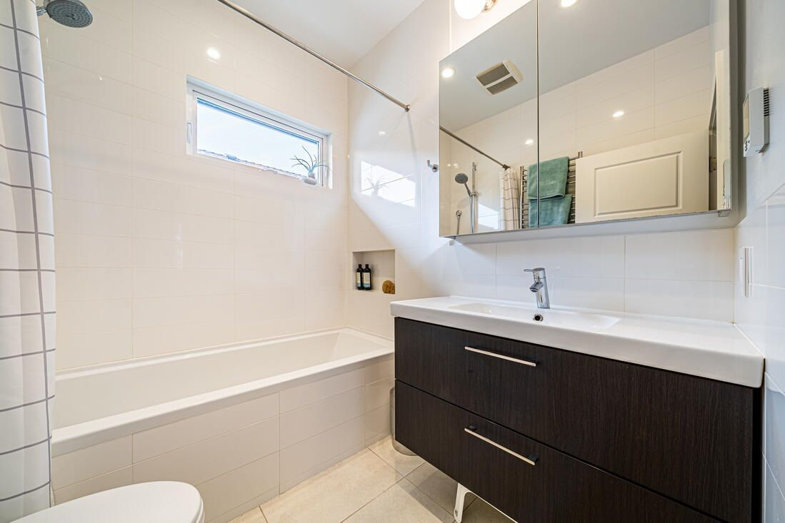 Photo 9: Photos: 2566 DUNDAS Street in Vancouver: Hastings House for sale (Vancouver East)  : MLS®# R2563281