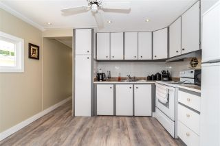 """Photo 10: 28 3942 COLUMBIA VALLEY Road: Cultus Lake Manufactured Home for sale in """"Cultus Lake Village"""" : MLS®# R2589511"""
