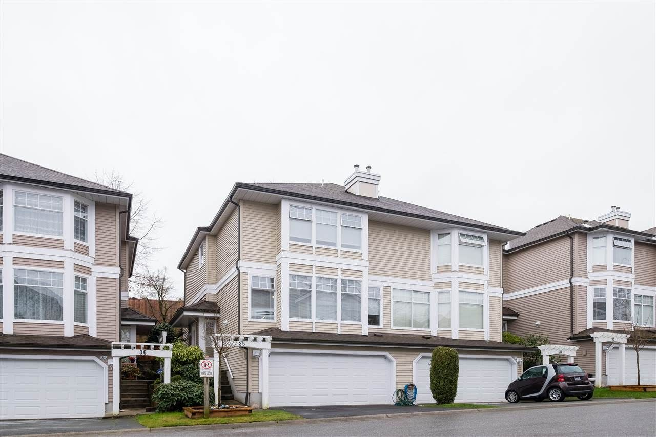 "Main Photo: 35 5950 OAKDALE Road in Burnaby: Oaklands Townhouse for sale in ""HEATHERCREST"" (Burnaby South)  : MLS®# R2536140"