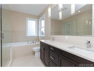 Photo 9: 704 Demel Pl in VICTORIA: Co Triangle House for sale (Colwood)  : MLS®# 686500