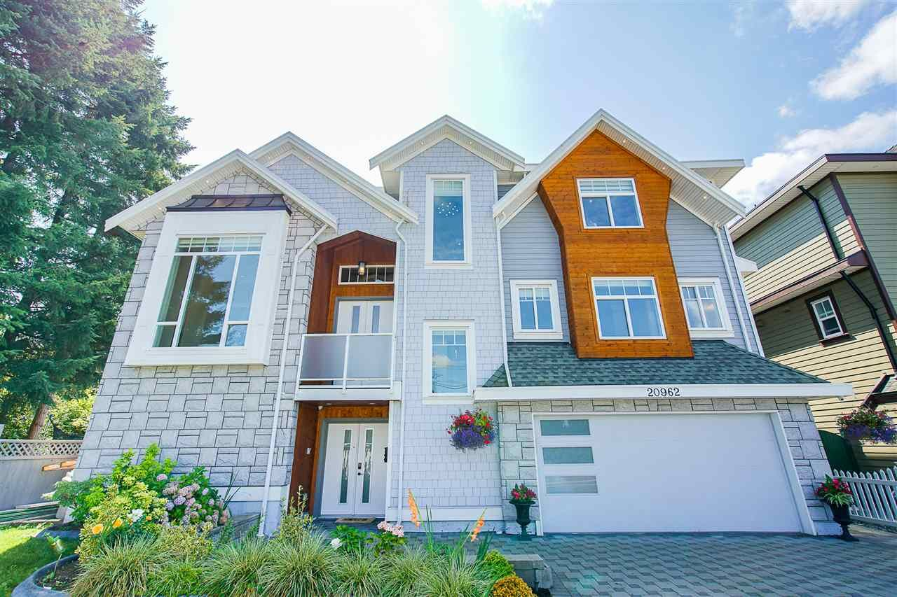 Main Photo: 20962 48 Avenue in Langley: Langley City House for sale : MLS®# R2486001
