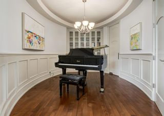 Photo 3: 2615 12 Avenue NW in Calgary: St Andrews Heights Detached for sale : MLS®# A1131136