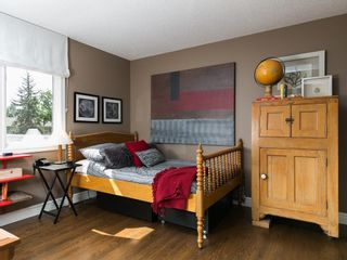 Photo 32: 2410 BAY VIEW Place SW in Calgary: Bayview House for sale : MLS®# C4137956