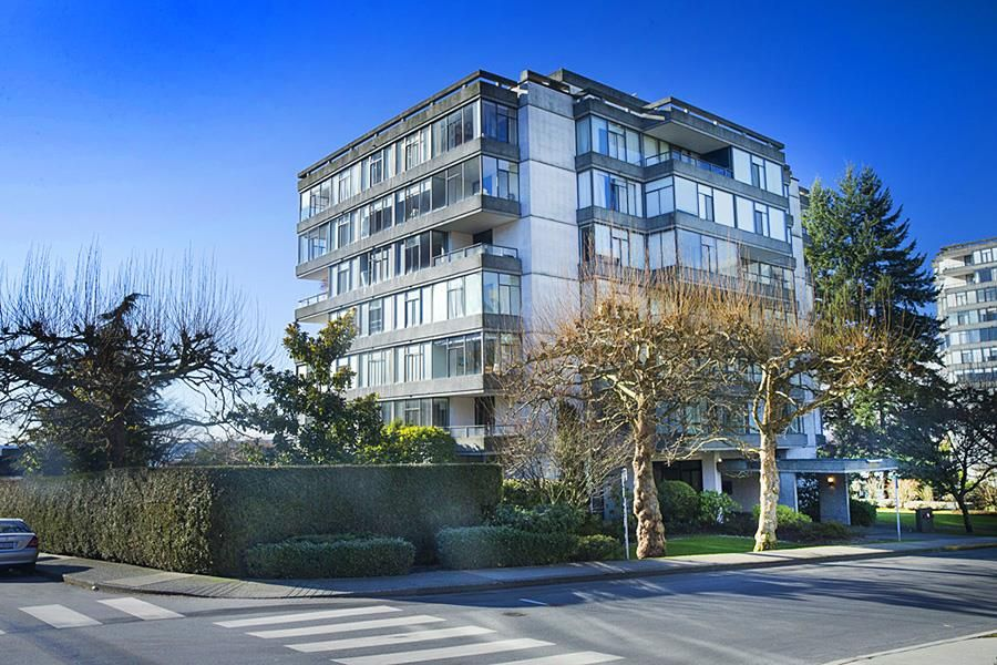 "Main Photo: 301 1420 DUCHESS Avenue in West Vancouver: Ambleside Condo for sale in """"The Westerlies"" in Ambleside"" : MLS®# R2543928"