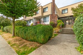 """Photo 2: 9 46085 GORE Avenue in Chilliwack: Chilliwack E Young-Yale Townhouse for sale in """"Sherwood Gardens"""" : MLS®# R2621838"""