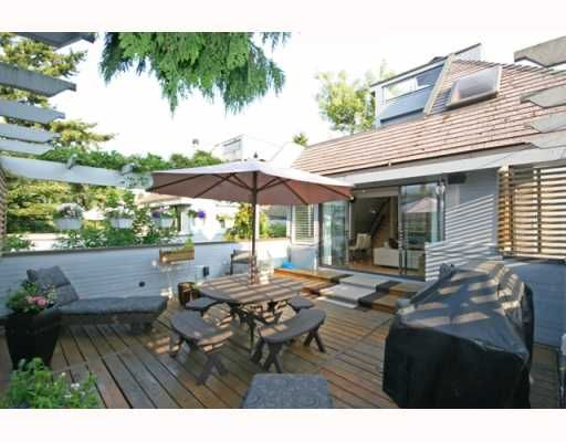 Photo 2: Photos: 3153 W 3RD Avenue in Vancouver: Kitsilano 1/2 Duplex for sale (Vancouver West)  : MLS®# V771650