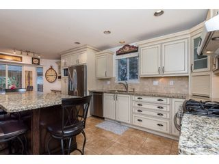 Photo 7: 5662 185 Street in Surrey: Cloverdale BC House for sale (Cloverdale)  : MLS®# R2430379