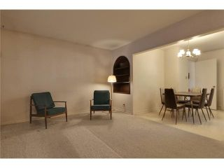 Photo 6: 1 42 Street SW in Calgary: Wildwood Residential Detached Single Family for sale : MLS®# C3634389