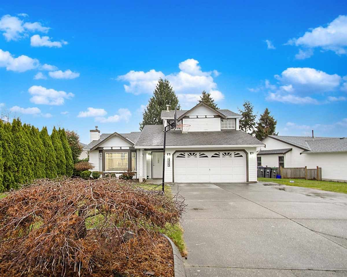 Main Photo: 14924 86A Avenue in Surrey: Bear Creek Green Timbers House for sale : MLS®# R2574026