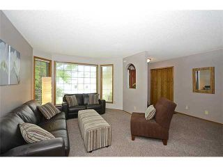 Photo 2: 78 SANDRINGHAM Way NW in CALGARY: Sandstone Residential Detached Single Family for sale (Calgary)