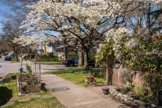 """Photo 9: 2176 W 15TH Avenue in Vancouver: Kitsilano 1/2 Duplex for sale in """"UPPER KITS"""" (Vancouver West)  : MLS®# R2565321"""