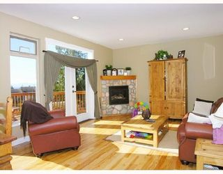 """Photo 3: 1345 CHASTER Road in Gibsons: Gibsons & Area House for sale in """"CHASTER PLACE"""" (Sunshine Coast)  : MLS®# V658536"""