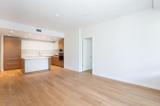 """Photo 5: 305 788 ARTHUR ERICKSON Place in West Vancouver: Park Royal Condo for sale in """"Evelyn by Onni"""" : MLS®# R2475464"""
