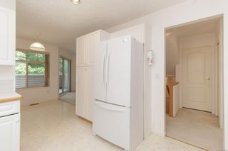 Photo 11: 401 288 Eltham Rd in View Royal: VR View Royal Row/Townhouse for sale : MLS®# 883864