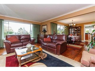 Photo 5: 1891 Hillcrest Ave in VICTORIA: SE Gordon Head House for sale (Saanich East)  : MLS®# 753253