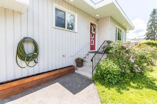 """Photo 3: 428 IRWIN Street in Prince George: Central House for sale in """"CENTRAL"""" (PG City Central (Zone 72))  : MLS®# R2590998"""