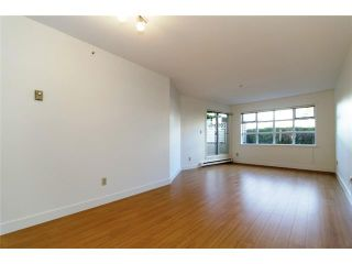 """Photo 2: 109 1210 W 8TH Avenue in Vancouver: Fairview VW Condo for sale in """"GALLERIA II"""" (Vancouver West)  : MLS®# V984022"""