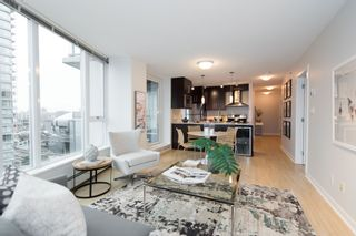 "Photo 4: 1106 188 KEEFER Place in Vancouver: Downtown VW Condo for sale in ""ESPANA"" (Vancouver West)  : MLS®# R2215707"