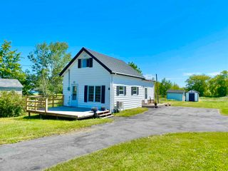 Photo 1: 6 Eye Road in Lower Wolfville: 404-Kings County Residential for sale (Annapolis Valley)  : MLS®# 202115726