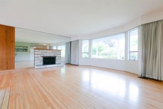 Photo 3: 1610 DUBLIN Street in New Westminster: West End NW House for sale : MLS®# R2294685