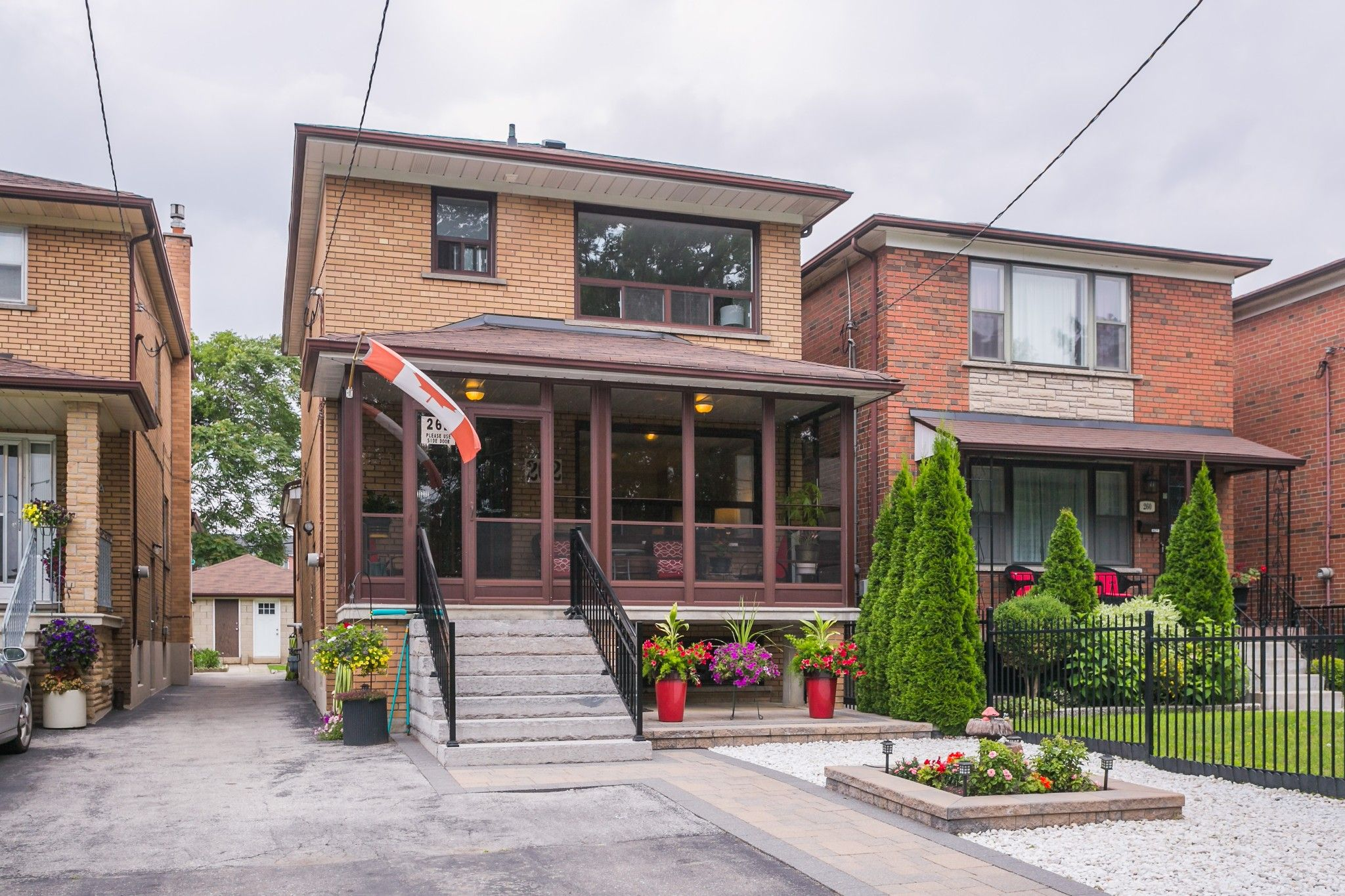 Main Photo: 262 Ryding Ave in Toronto: Junction Area Freehold for sale (Toronto W02)  : MLS®# W4544142