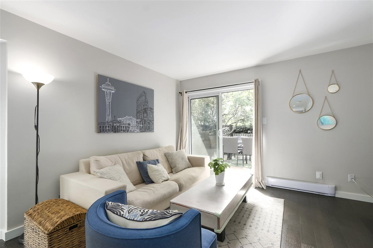 Photo 6: Photos: 154 W 12TH STREET in North Vancouver: Central Lonsdale Townhouse for sale : MLS®# R2487434