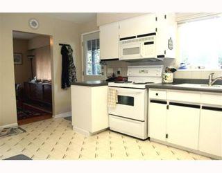 "Photo 6: 4816 12TH Avenue in Tsawwassen: Tsawwassen Central House for sale in ""TSAWWASSEN CENTRAL"" : MLS®# V755142"