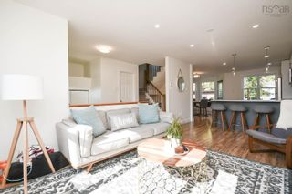 Photo 3: 128 Roy Crescent in Bedford: 20-Bedford Residential for sale (Halifax-Dartmouth)  : MLS®# 202125659