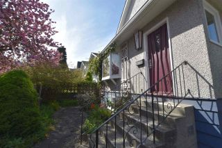 Photo 1: 315 E 17TH AVENUE in Vancouver: Main House for sale (Vancouver East)  : MLS®# R2286079